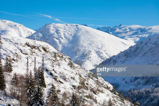 alpe-d'huez in winter, snow everywere - isere stock pictures, royalty-free photos & images