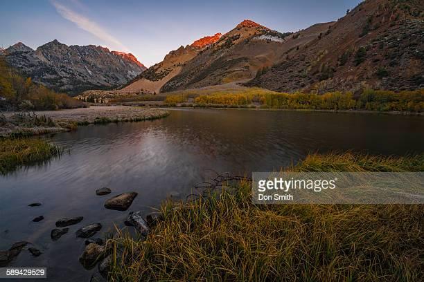 alpenglow on north lake peaks - don smith imagens e fotografias de stock