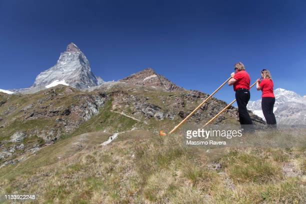 Alpenhorns in front of Matterhorn