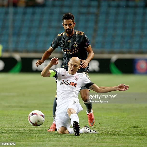 Alper Potuk of Fenerbahce in action during the UEFA Europa League Group A match between FC Zorya Luhansk and Fenerbahce at Chornomorets Stadium in...