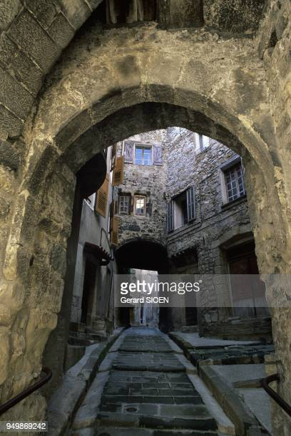 Alpes de Haute Provence, Annot, atmosphere in an alley, Provence, France.
