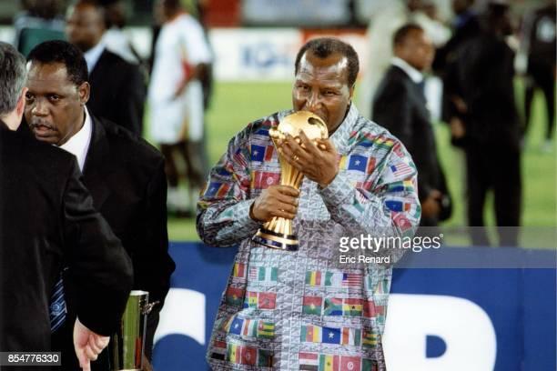 Alpha Omar KONARE / Issa Hayatou Senegal / Cameroun Finale CAN 2002 Bamako