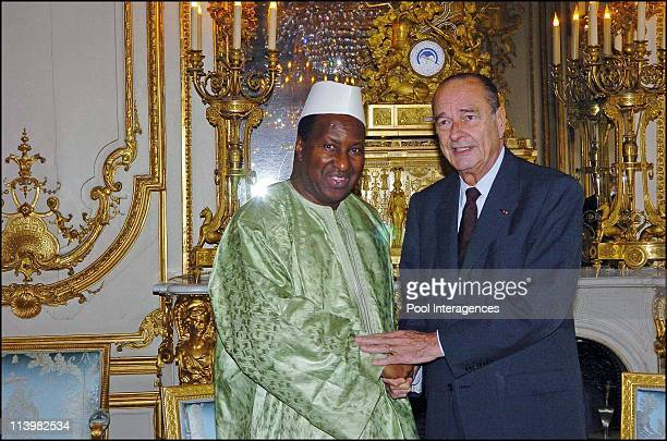 Alpha Oumar Konare meets with president Chrirac in Paris France On October 26 2005 French President Jacques Chirac poses with African Union...