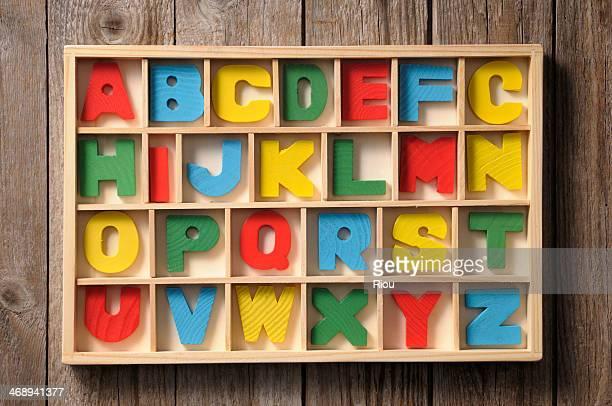 alphabet - écriture européenne photos et images de collection