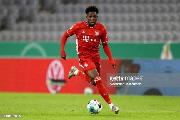Alphonos Davies of FC Bayern München runs with the ball during the DFB Cup first round match between 1. FC Düren and FC Bayern Muenchen at Allianz...