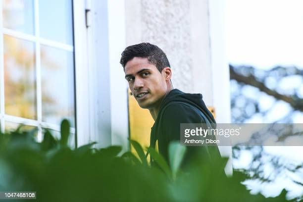 Alphonse Areola of France arrives for the training session of the France soccer team at Centre National du Football on October 8 2018 in...