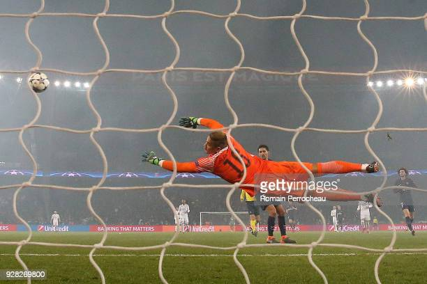 Alphonse Areola of Paris Saint Germain in action during the UEFA Champions League Round of 16 Second Leg match between Paris SaintGermain and Real...