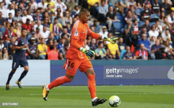 Alphonse Areola of Paris SaintGermain during the French Ligue 1 match between Paris Saint Germain and Amiens SC at Parc des Princes on August 5 2017...
