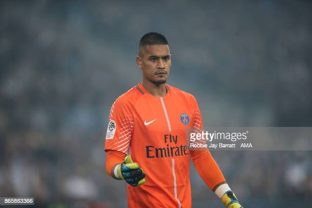 Alphonse Areola of Paris SaintGermain during the Ligue 1 match between Olympique Marseille and Paris Saint Germain at Stade Velodrome on October 22...