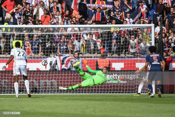 Alphonse Areola of PSG misses the ball during Ligue 1 match between Paris Saint Germain PSG and Angers on August 25 2018 in Paris France