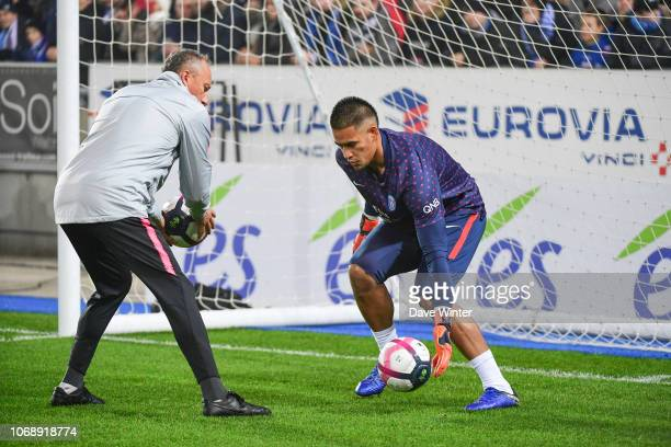 Alphonse Areola of PSG warms up before the Ligue 1 match between RC Strasbourg and Paris Saint Germain on December 5 2018 in Strasbourg France