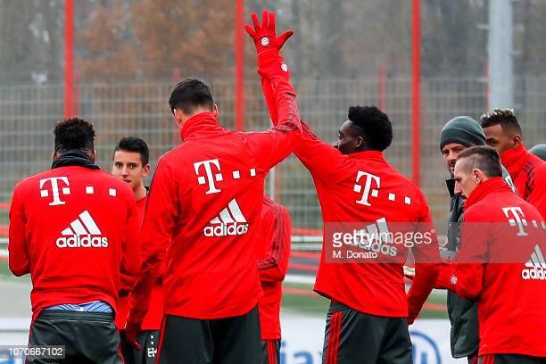 Alphonso Davies of Bayern Muenchen is presented to his new team mates prior to his first training session at FC Bayern training ground Saebener...
