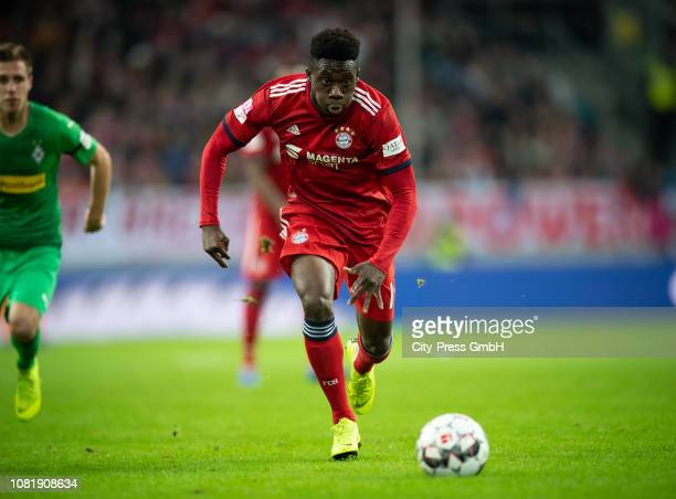 Alphonso Davies of FC Bayern Muenchen during the Telekom Cup match between Borussia Moenchengladbach and FC Bayern Muenchen at the Merkur SpielArena...