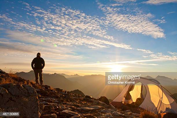 alpine backpacking - sunrise mountain peak stock pictures, royalty-free photos & images