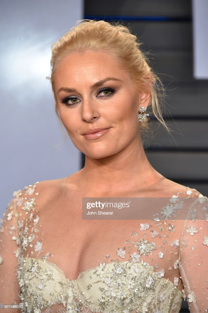 Alpine ski racer Lindsey Vonn attends the 2018 Vanity Fair Oscar Party hosted by Radhika Jones at Wallis Annenberg Center for the Performing Arts on March 4, 2018 in Beverly Hills, California.