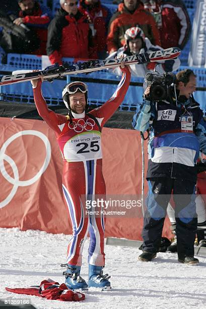 Alpine Skiing 2006 Winter Olympics Norway Kjetil Andre Aamodt victorious after winning Super G gold medal at Sestriere Borgata Sestriere Italy...
