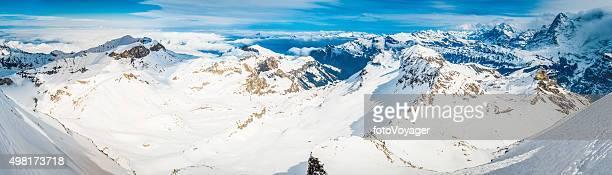 アルパイン光輝くユキコ山頂オフピステ渓谷スイス