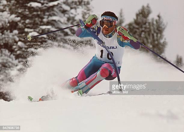 Alpiner Skisportler Alberto Tomba aus Italien beim Slalom Aufgenommen 1991