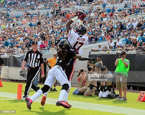 Alshon Jeffery of the Chicago Bears attempts a reception against Rashean Mathis of the Jacksonville Jaguars during the game at EverBank Field on...