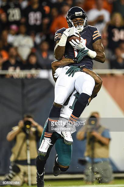 Alshon Jeffery of the Chicago Bears makes the catch against Jalen Mills of the Philadelphia Eagles in the first half at Soldier Field on September 19...