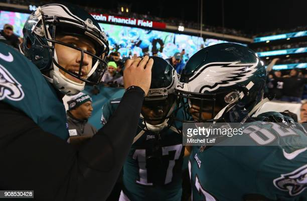Alshon Jeffery of the Philadelphia Eagles is congratulated by his teammates after scoring a fourth quarter touchdown reception against the Minnesota...