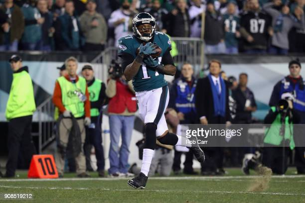 Alshon Jeffery of the Philadelphia Eagles scores a 53 yard touchdown reception during the second quarter against the Minnesota Vikings in the NFC...