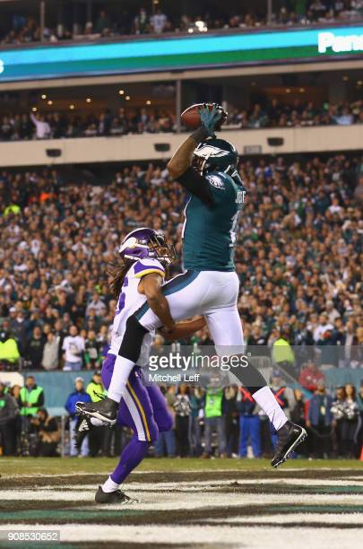 Alshon Jeffery of the Philadelphia Eagles scores a fourth quarter touchdown reception against the Minnesota Vikings in the NFC Championship game at...