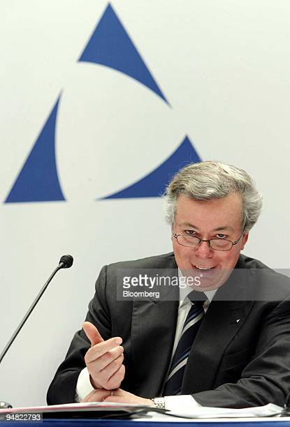Altana Chief Executive Nikolaus Schweickart speaks during a press conference in Bad Homburg, Germany, Thursday March 17, 2005. Altana AG, the maker...