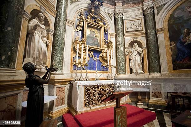 altare nella cattedrale di siena - fotofojanini foto e immagini stock