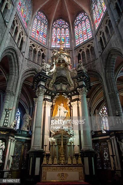 altar inside st bavo's cathedral - flandres oriental imagens e fotografias de stock