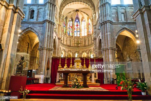 altar of notre-dame in beaune, france - catholicism stock pictures, royalty-free photos & images