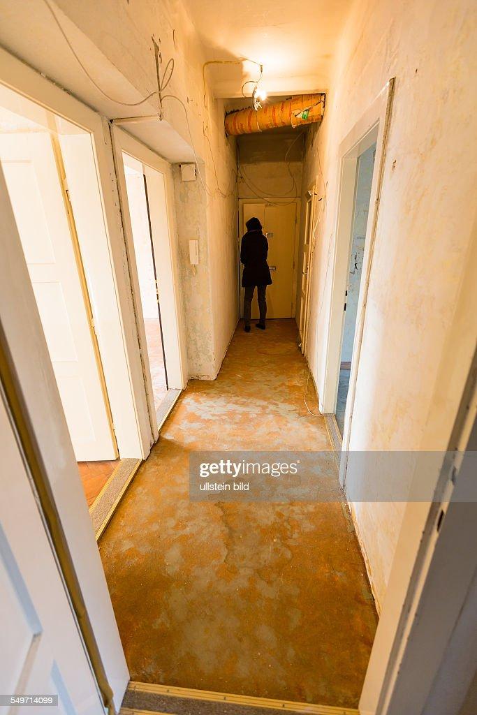 Alte Wohnung, Symbolfoto Für Wohnungsauflösung, Wohnungssuche Und  Sanierungsbedarf