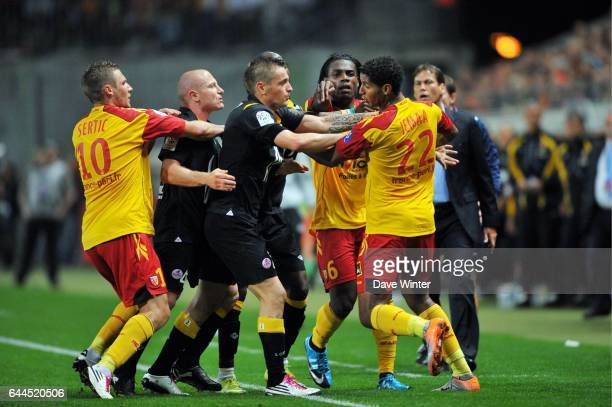Altercation Florent BALMONT / Issam JEMAA Lens / Lille Ligue 1 5e journee Photo Dave Winter / Icon Sport