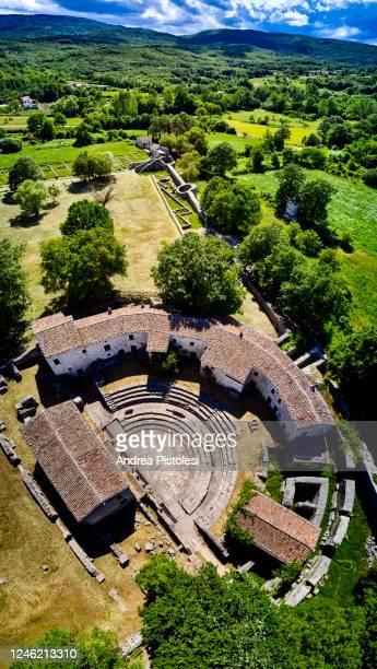 altilia archaeological site in sepino, molise, italy - molise foto e immagini stock