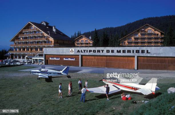 Altiport de MéribellesAllues en août 1986 en Savoie France