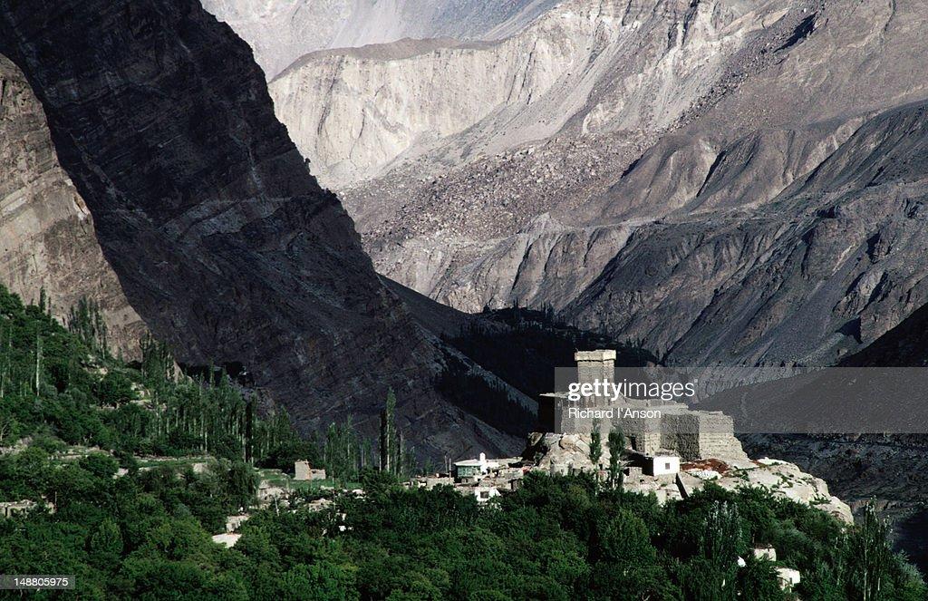 Altit Fort in the Hunza Valley : Foto de stock