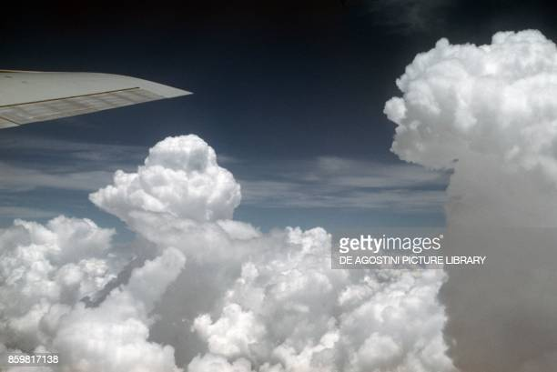 Altocumulus in vertical expansion taken from a plane