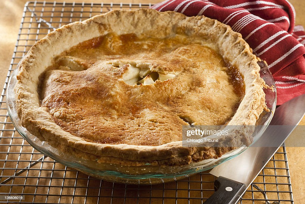 APPLE PIE RECIPE FROM ALTON BROWN, GOOD EATS : News Photo