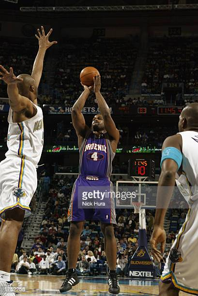 Alton Ford of the Phoenix Suns shoots during the game against the New Orleans Hornets at New Orleans Arena on January 20 2003 in New Orleans...