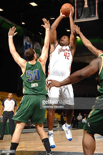 Alton Ford of the Rio Grande Valley Vipers shoots over Jesse Smith of the Reno Bighorns at McKay Events Center on January 05 2009 in Orem Utah NOTE...