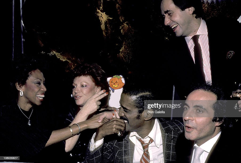 Regine's Halloween Party in New York City - October 10, 1983 : News Photo
