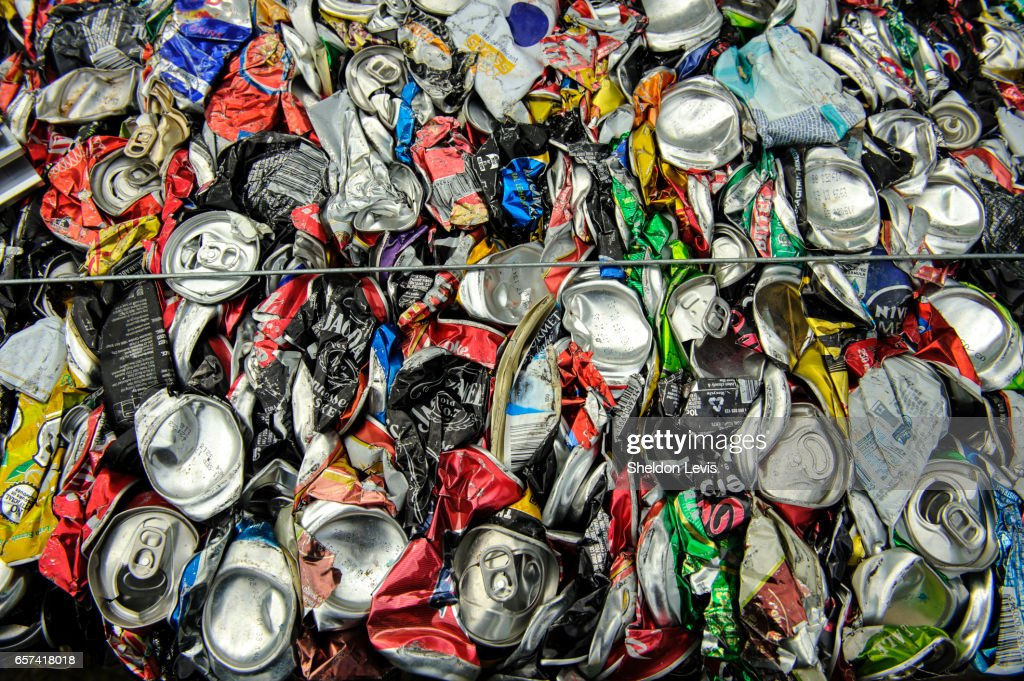 Aluminium cans crushed into a cube : Stock Photo