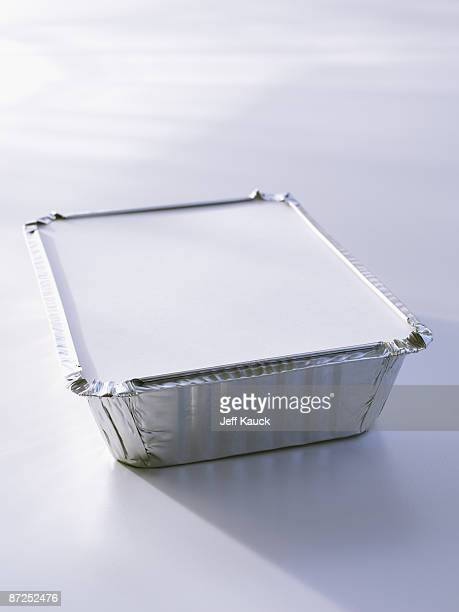 Aluminum takeout container