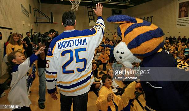 Alumni Dave Andreychuk waves to students at St Augustine's elementary school during the NHL Kraft Hockeyville 2010 on September 27 2010 in Dundas...