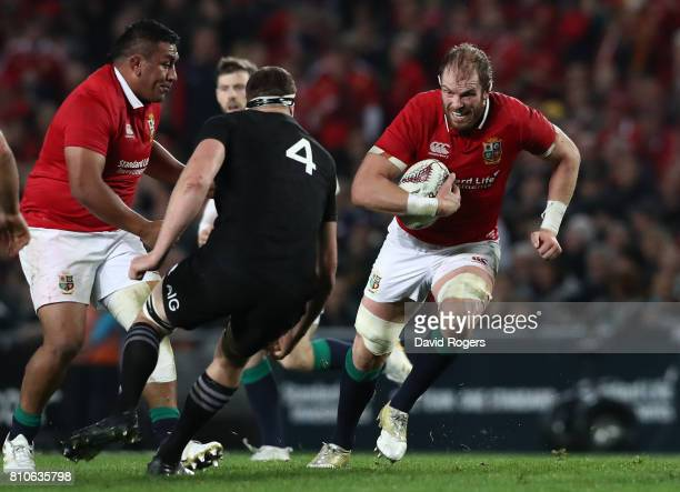 Alun Wyn Jones of the Lions charges towards Brodie Retallick of the All Blacks during the third test match between the New Zealand All Blacks and the...