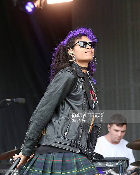 Aluna Francis performs in concert with AlunaGeorge during the Austin City Limits Music Festival at Zilker Park on October 01, 2016 in Austin, Texas.
