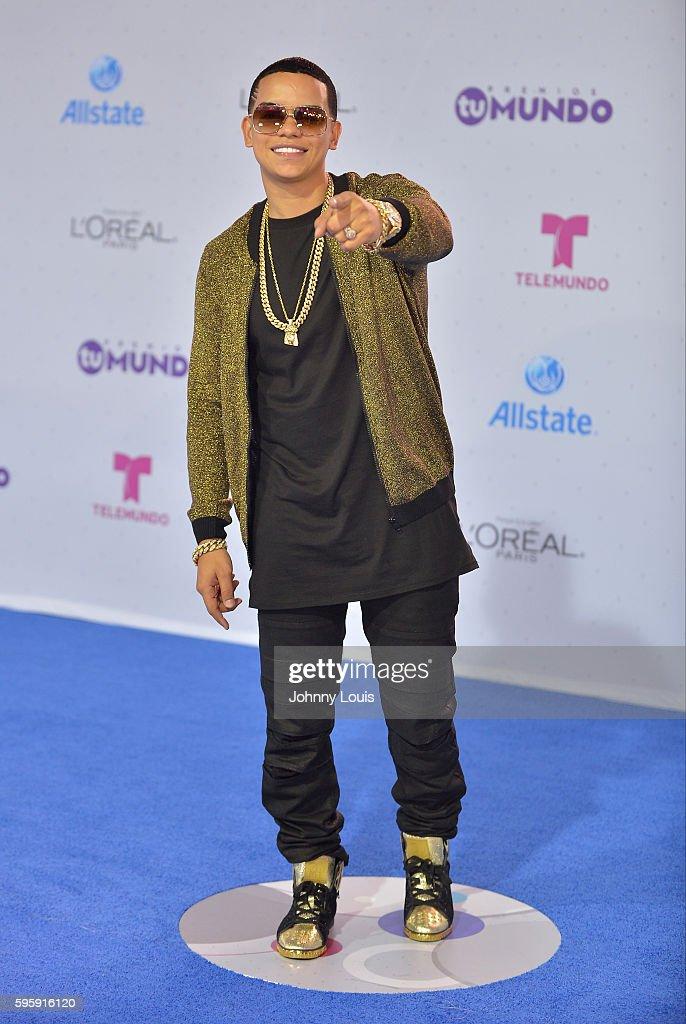 "Telemundo's Premios Tu Mundo ""Your World"" Awards - Arrivals"