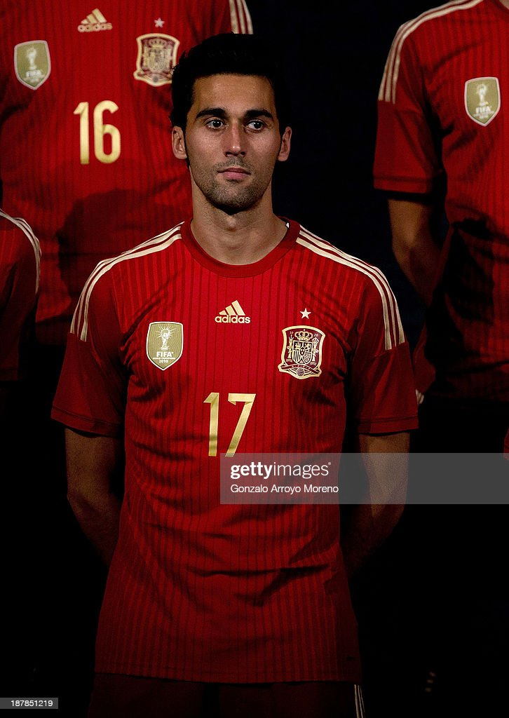 Spanish Football Team Outfits Presented : ニュース写真