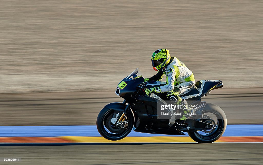 Alvaro Bautista of Spain and and Pull & Bear Aspar Team in action during the MotoGP Test in Valencia at Ricardo Tormo Circuit on November 16, 2016 in Valencia, Spain.