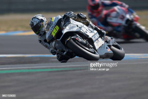 Alvaro Bautista of Spain and Angel Nieto Team rounds the bend during the qualifying practice during the MotoGp of France Qualifying on May 19 2018 in...